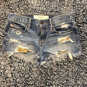 A&F jean shorts 🌹